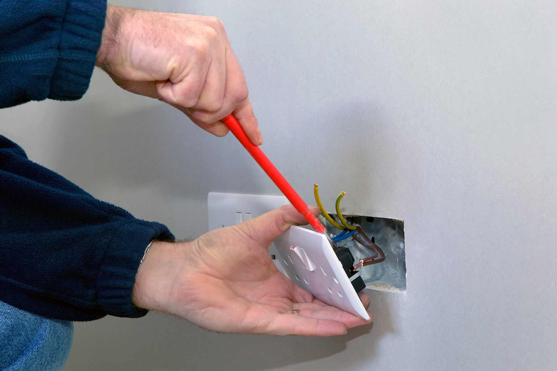 Our electricians can install plug sockets for domestic and commercial proeprties in Wembley Central and the local area.